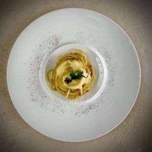 フレッシュぺぺーロンチーノ スパゲッテイ、チーズフォンデュソース